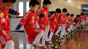 Kína ötvenmillió focistát nevelne 8 éven belül