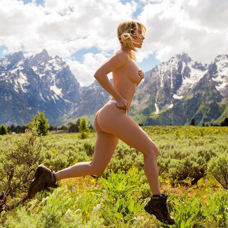 máskor meg a futóedzést tudja le csupasz bőrére szorítkozva.