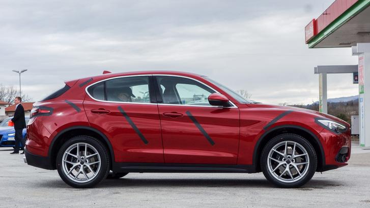 A fara tája eléggé BMW-s és macanos egyszerre