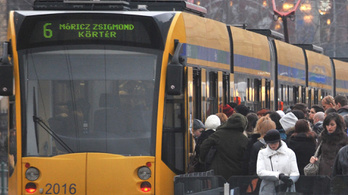 Összeverekedett a 6-os villamos sofőrje egy utassal