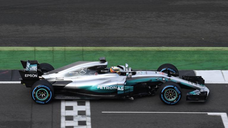 A pályán mutatkozott be az új Mercedes