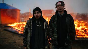 Trump döntése beért, pakolhatnak a tütető indiánok