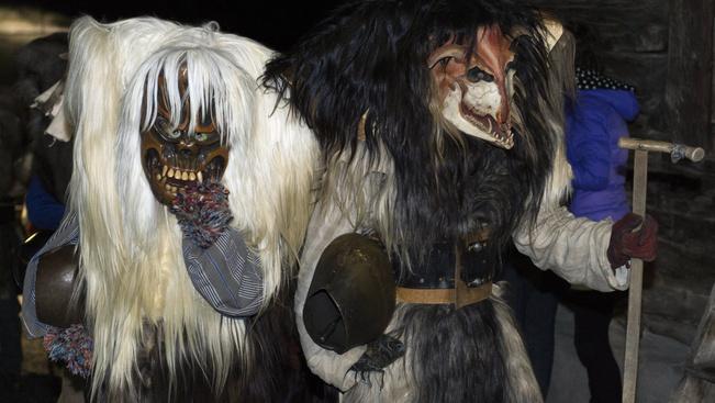 Svájcban rémisztgetnek a busók unokatestvérei