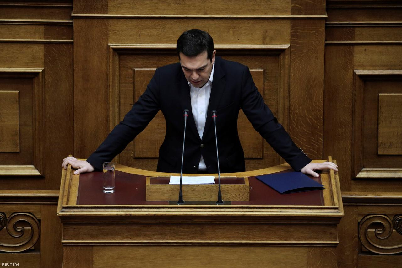 Mostanában egyébként nagyjából ugyanaz a helyzet, mint 2015-ben: a Sziriza az adósság egy részének elengedését és a program feltételeinek lazítását szeretné, az IMF elismeri, hogy az adósság elengedése nélkül Görögország soha az életben nem fog talpra állni gazdaságilag, viszont szerintük arra mindenképp szükség lenne, hogy a híresen gyenge görög adómorál javuljon.