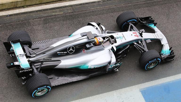 Félelmetesnek tűnik a bodybuilder Mercedes