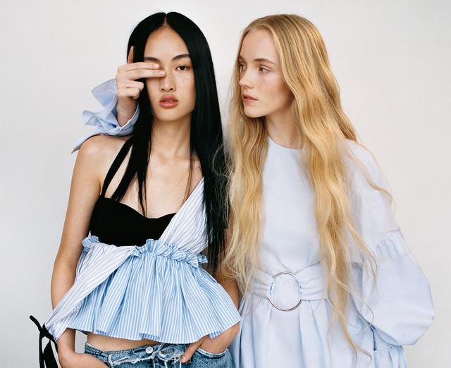 Zara 2017 tavasz: jók ezek a buggyos fazonok, csak kevés embernek állnak jól.