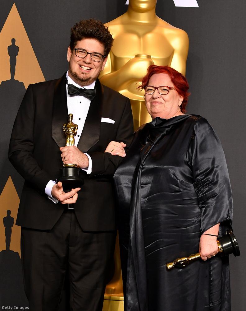 Egy szempontból mégis rendhagyó alkalom ez: a legjobb élőszereplős rövidfilm díját Deák Kristóf és Udvardy Anna nyerte, őket természetesen megmutatjuk