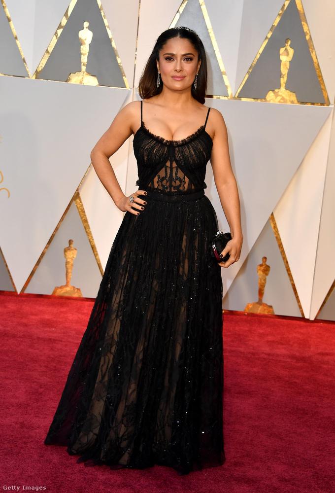 Na de vissza a többiekhez! A legjobb férfi főszereplő díját Casey Affleck kapta A régi város című filmért, ugyanez a szobor női változatban Emma Stone-é lett, a Kaliforniai álom című alkotásért.