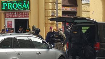 Egy késsel fenyegetőző férfi miatt kellett lezárni a Bródy Sándor utcát