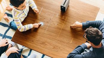 Óriáskijelzővé alakítja a falat vagy az asztalt az interaktív projektor