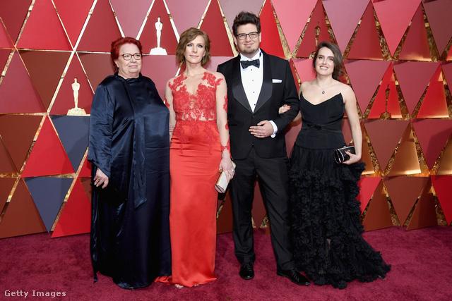 Balról jobbra: a producer, Udvardy Anna, a főszereplő, Szamosi Zsófia, a rendező, Deák Kristóf, és felesége, Umniakov Nina.