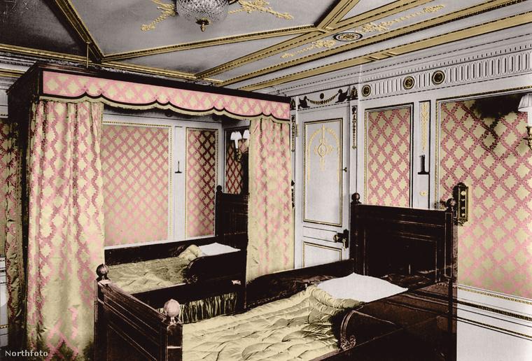 Ez pedig egy kétágyas szoba
