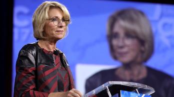 Irgalmatlan nagy baromságot mondott Trump oktatási minisztere
