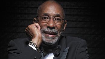 Bőrszíne miatt nem lehetett klasszikus zenész, így lett a világ legjobb jazzbőgőse