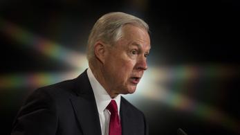 Eltitkolta Trump igazságügyi mininsztere, hogy az orosz nagykövettel találkozgatott a kampány alatt