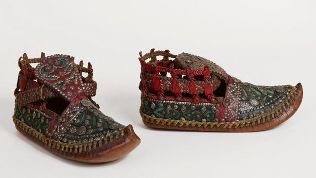 Cipőkről szól a Néprajzi Múzeum utolsó Kossuth téri kiállítása