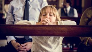 Az egyházi iskolásokon csak vékony máz a vallás