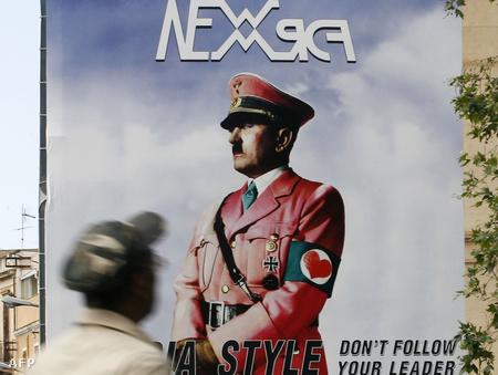 Hitler rózsaszínben, diszkrét sminkkel