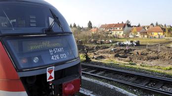 Mészáros Lőrinc előbukkant a 33 milliárdos esztergomi vasútfelújításnál is