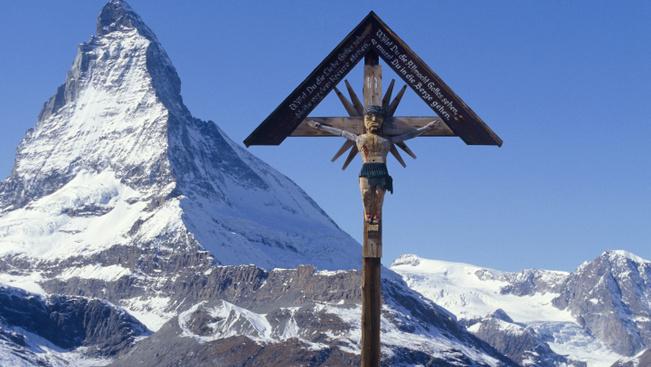 Palackozzák Svájc friss hegyi levegőjét