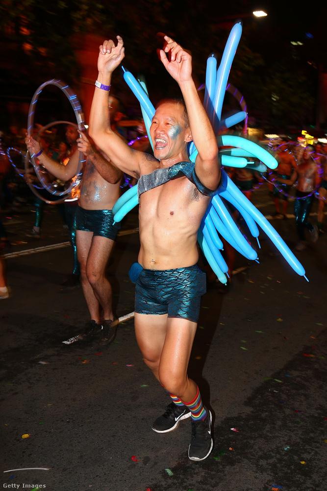 Trinidad karneválja egyébként szintén elég forróra sikerült, csak teljesen máshogy..