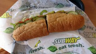 Most akkor csirke van a Subway szendvicsben vagy nem?