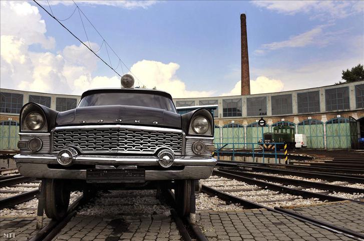 Csajka típusú sínautó a Vasúttörténeti Park mozdonyfordítójában