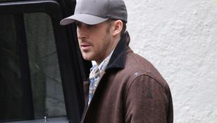 Eva Mendes 43 lett, úgyhogy Ryan Goslinggal összetrombitálták az egész családot