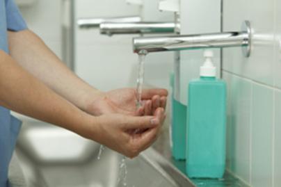 kezet-mos-lead