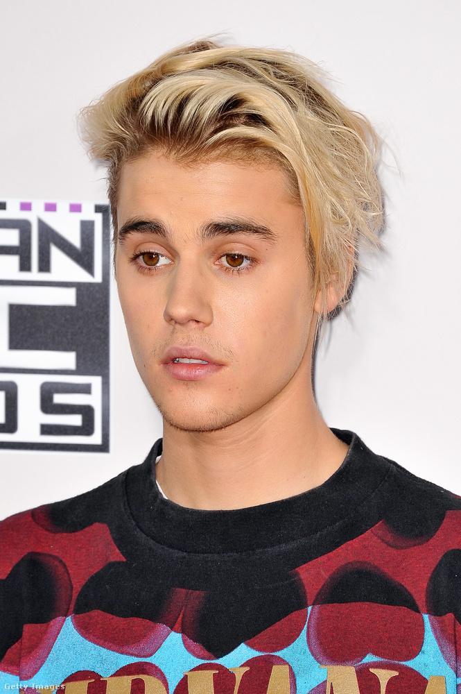 Nem csak nők hordanak ám ilyen frizkót!Itt van például Justin Bieber, akit szintén megfertőzött ez az őrület