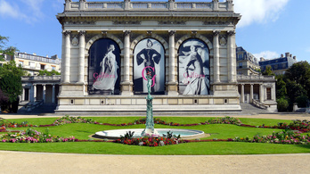 Párizsban megnyílik az első állandó divatmúzeum