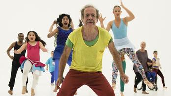 Amatőr magyar táncosokkal dolgozik a világhírű koreográfus