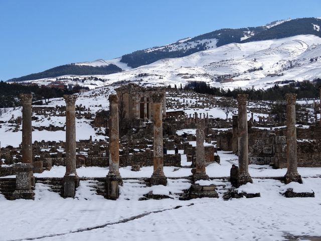 Bizony, Algériában is előfordulhat hó februárban! Itt éppen Dzsemilában