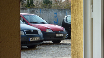 Családokat ment a szegények autókölcsönzője