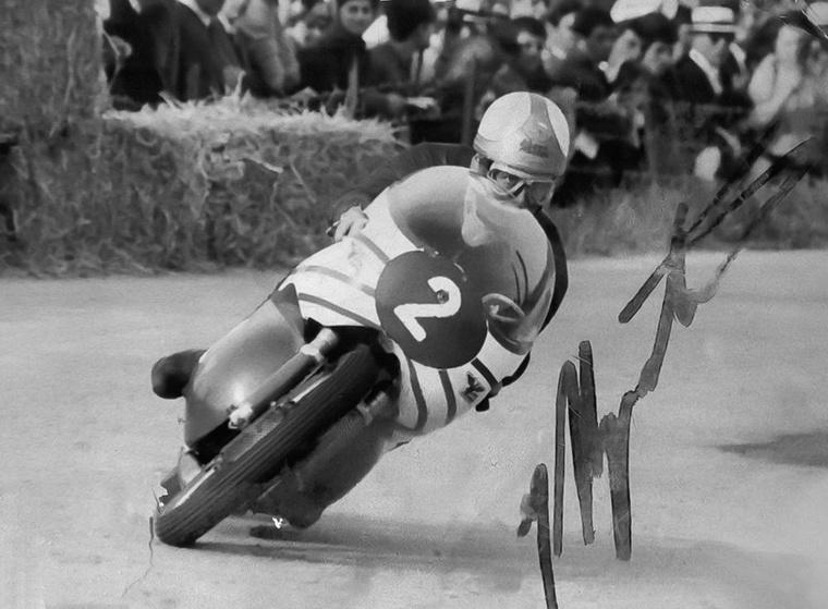 Giacomo Agostini neve összeforrt az MV Agustával, de a karrierje neki is Moto Morinivel indult