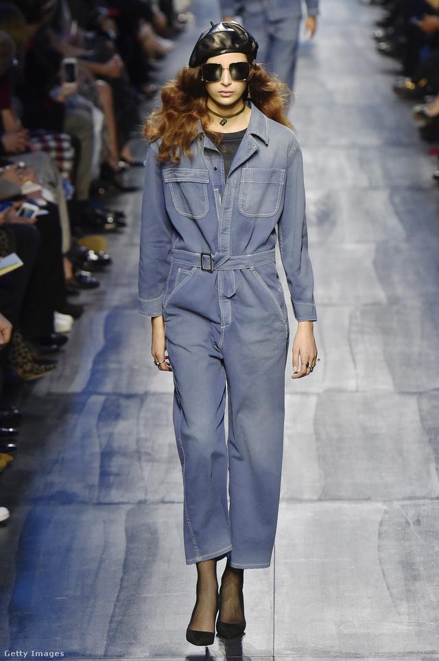 Munkásruhára emlékeztető farmer overáll a Diortól.