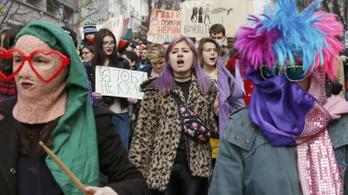 Moszkvában és Kijevben nem kímélik a nőnapozó feministákat