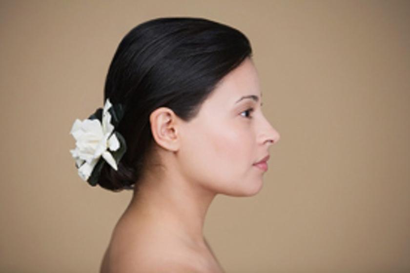 54a4352099 7 gyönyörű esküvői frizura rövid és kevés hajból - Szépség és divat ...