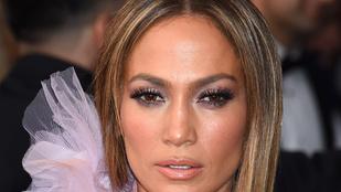 Jennifer Lopez bepasizott