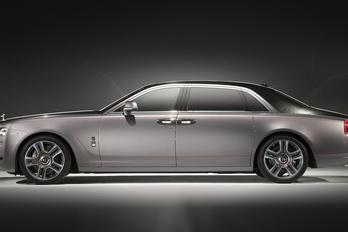 A fényűzés csúcsa a gyémánttal festett Rolls-Royce