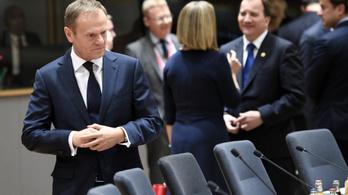 Tusk marad az Európai Tanács elnöke