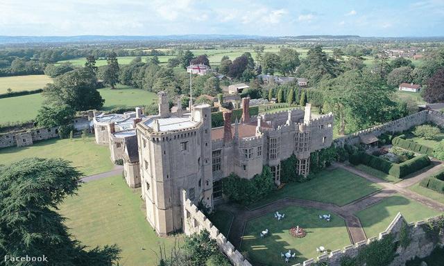 A Thornbury kastély hatalmas, ápolt parkja mellett szőlőskerttel is rendelkezik