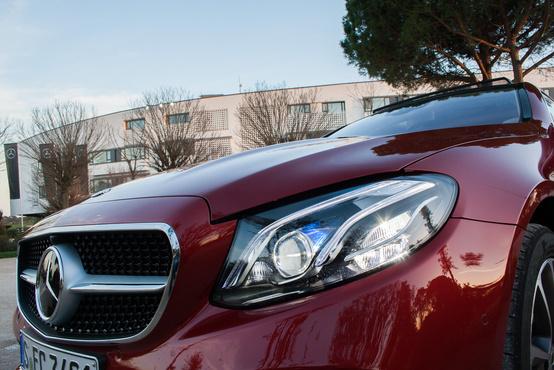 Még nem fáradt el az utóbbi évek egyen Mercedes arca