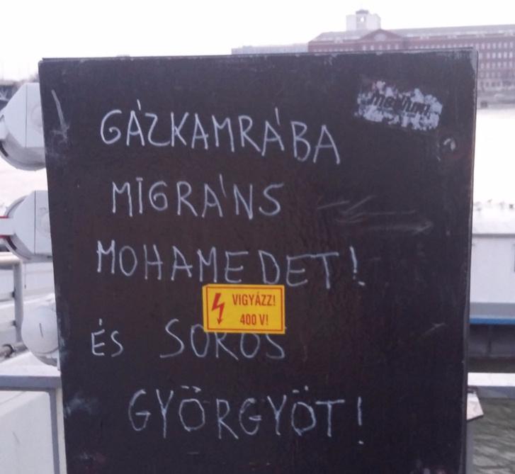 Gázkamrába migráns Mohamedet! És Soros Györgyöt!