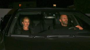 Rosie Huntington-Whiteley és Jason Statham 7 éves kapcsolatát ünnepelte