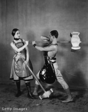 Serge Lifar és Lubov Tchernicheva az Acéllépés című balettban