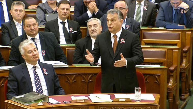 Orbán a Jobbiknak: Önök egy csicskapártot csináltak