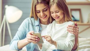 Így változik a család élete, ha telefont kap a gyerek