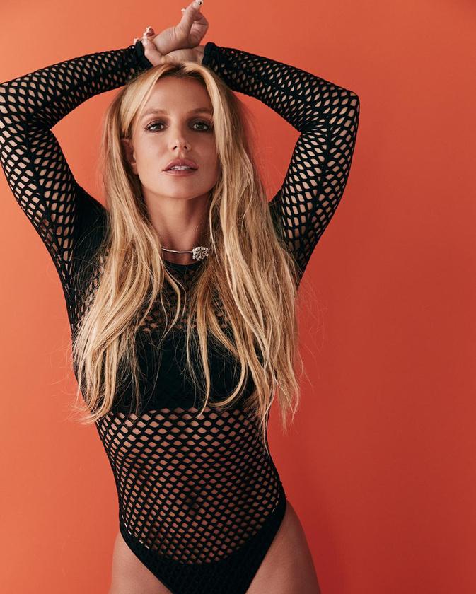 Ha Britney Spears sportos mivoltáról mindezek ellenére sincs meggyőződve, nézzek csak meg, hogy fest fehérneműben.