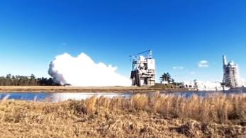 Bitang erős hajtóművet tesztel a NASA